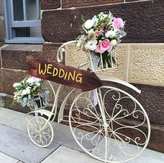 Antique Bicycle with wedding sign