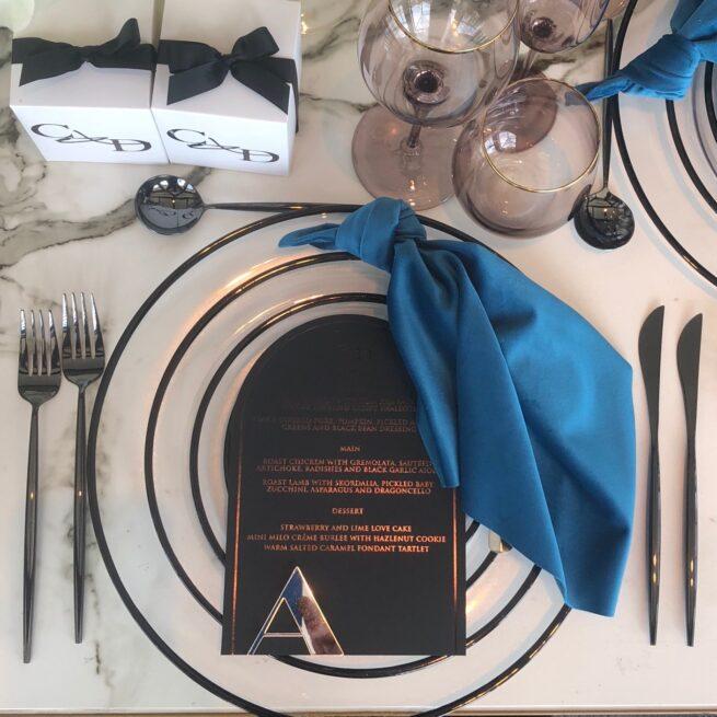 Black Rim Plate Set & Black Gloss Cutlery