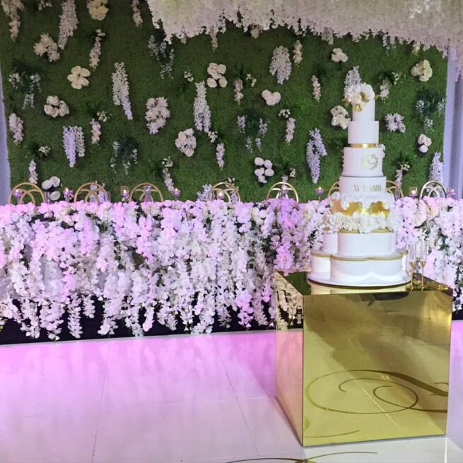 90cm Gold Mirror Cake Table