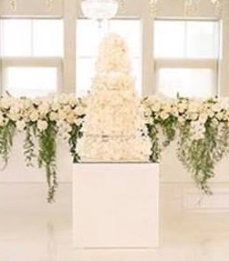 White Gloss Cake Table